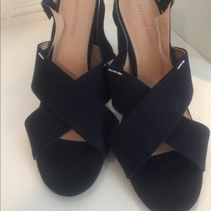 Who What Wear navy block heel sling back pumps